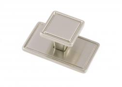 WINDSOR, Square Knob & Backplate, Brushed Nickel