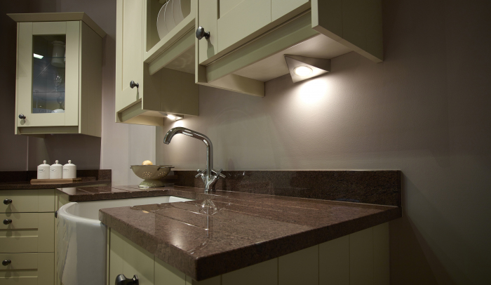 Bermuda - HD LED Under Cabinet Triangle Light