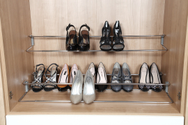 Small telescopic shoe rack