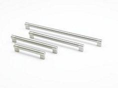 Keyhole, bar handles