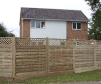 Dastra Fencing with Trellis Tops - Straight