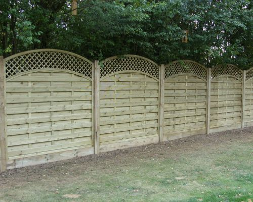 Dastra Fencing with Trellis. Curved