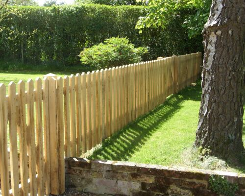 Palisade Fencing with Pointed Tops