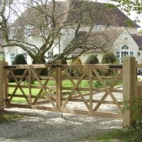 Hardwood 5 Bar Style Gates