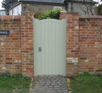 Deben Gate