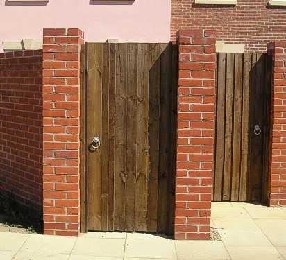 Universal Closeboard Gate
