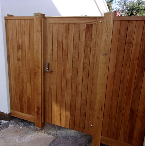 Glemham gate in Oiled Oak with side panels