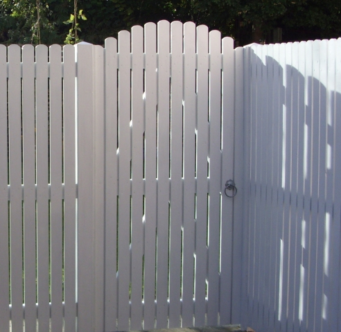 Palisade pedestrian gate in daisy white cuprinol shades
