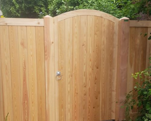 Glemham Gate Curved Top with 2 Side Panels