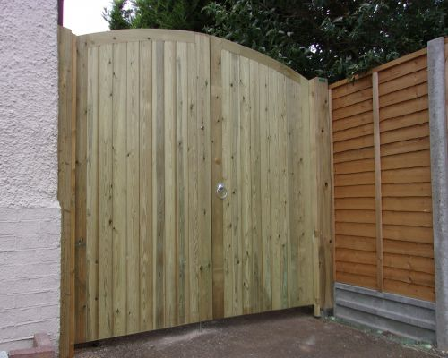 Glemham Curved Top Rail Gates