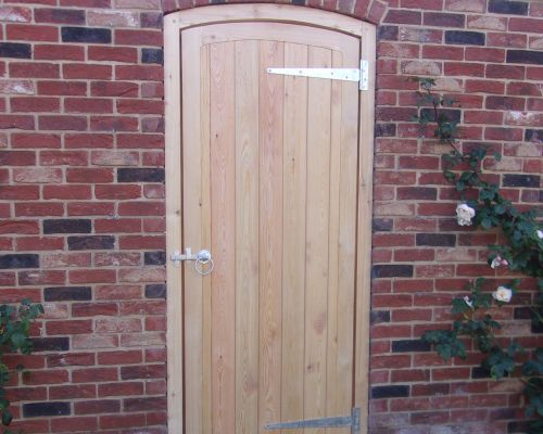Glemham Gate Curved Top Rail With Surround
