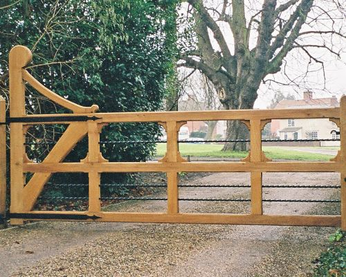 Ornamental Helve Gate