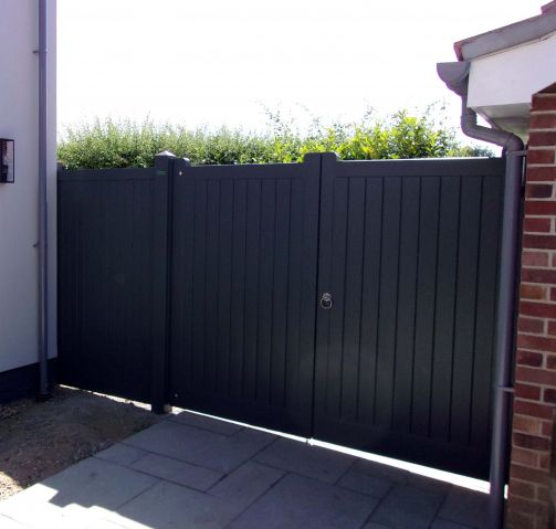 Hadleigh in Larch with Basalt Satin Dulux Weathershield