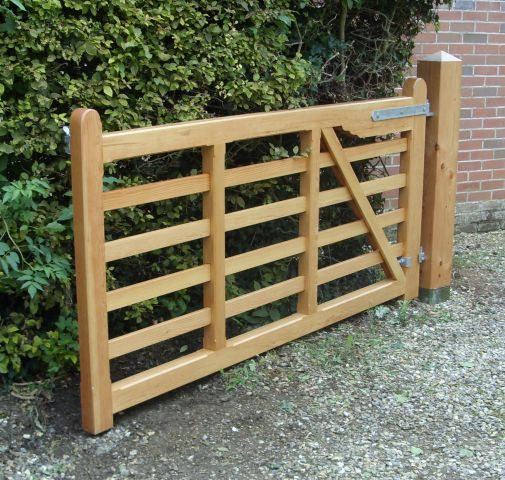 Melford gates in Douglas fit with osmo oil