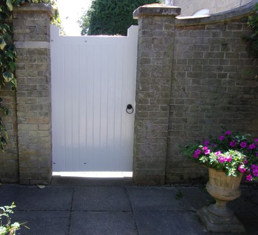 Blyth gate in larch painted white