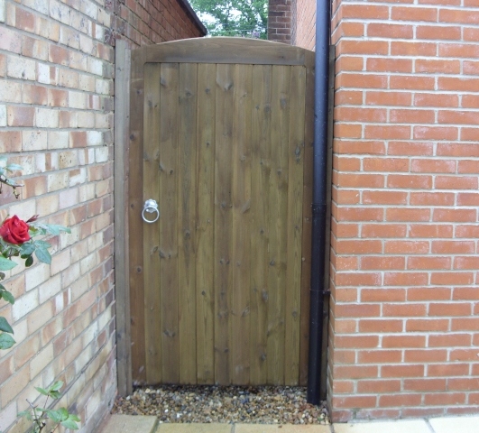 Kentwell in brown pressure treated softwood with no raised manors
