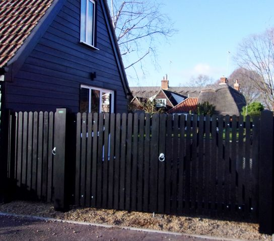 Helmingham Entrance & pedestrian gates with flat top with round pales in Black barn paint