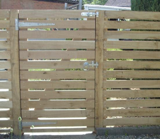 Horizontal Oak Fencing
