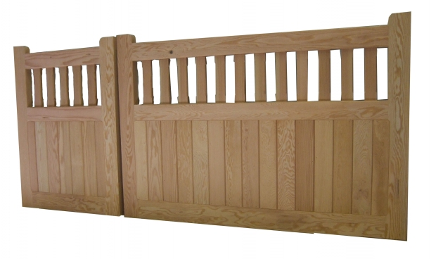 Aldeburgh gates in Douglas Fir