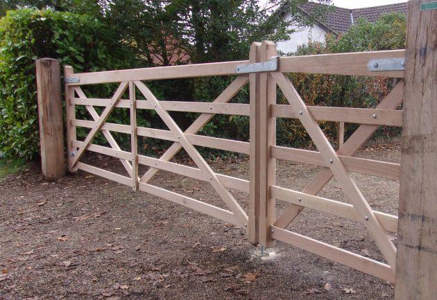 Kennett gate unequal pair in Oak
