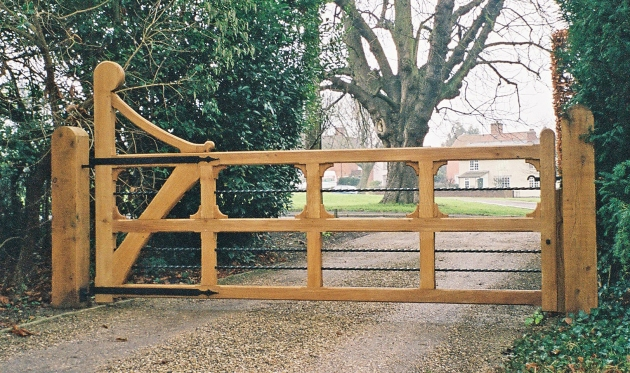 Orford gate in oiled Oak