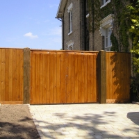 Entrance Gates with side panels