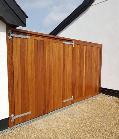 Blyth gates and side panel in oiled Iroko