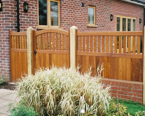 Kersey Gate with Side Panels