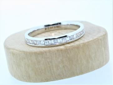 18ct White Gold 0.33ct Princess Cut & Baguette Channel Set Diamond Ring