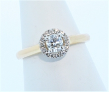18ct Rose Gold Diamond Cluster Ring with 0.27ct Centre Stone