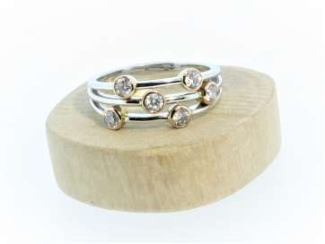 18ct White Gold and Rose Gold Diamond Scatter Ring