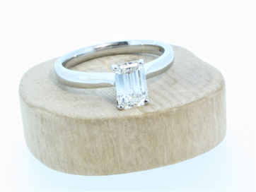 Platinum 1.04ct Emerald Cut Diamond Solitaire