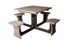 4 seat recycled picnic table -plastic