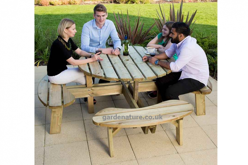 Pub garden tables | gardenature.co.uk