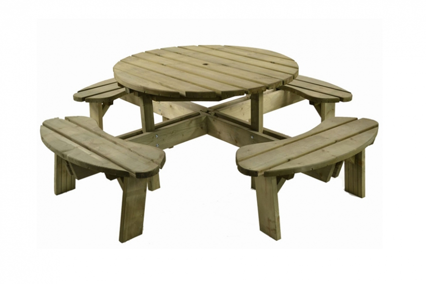 8 seat outdoor table. gardenature.co.uk
