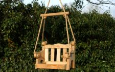 swing seat bird feeder | gardenature.co.uk