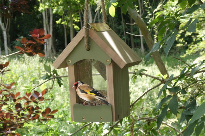 bird barn feeder