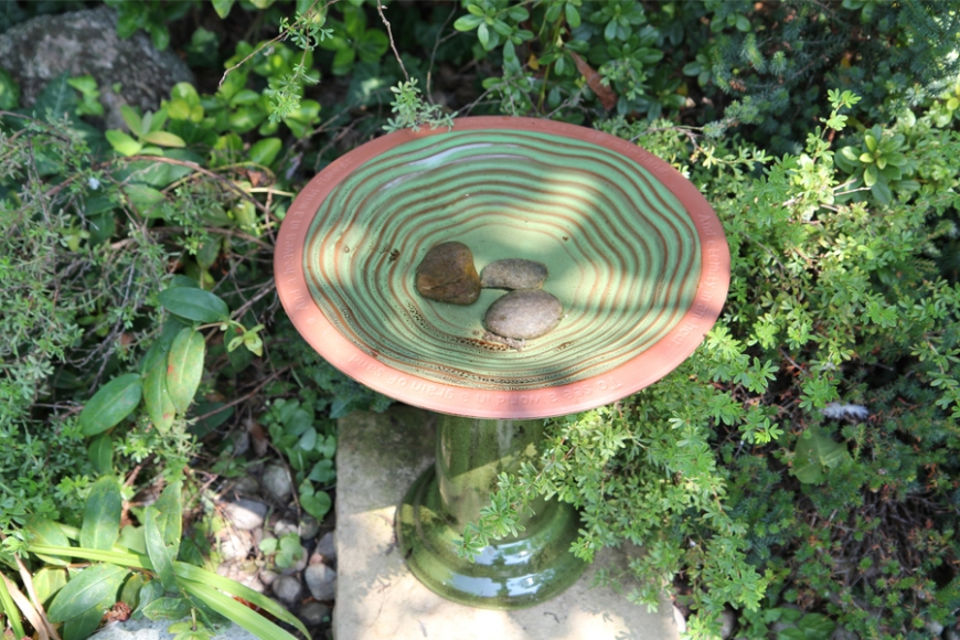 garden bird bath| gardenature.co.uk
