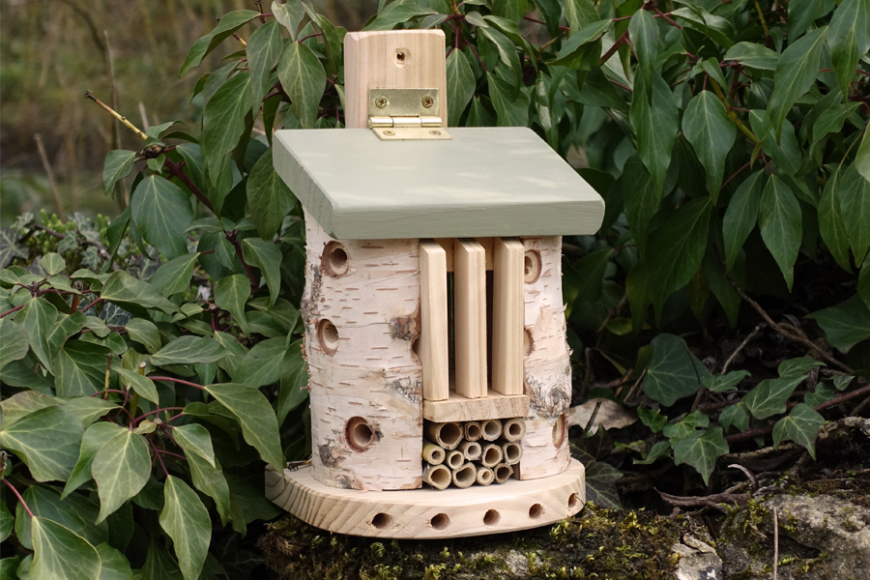 friendly bug barn | gardenature.co.uk