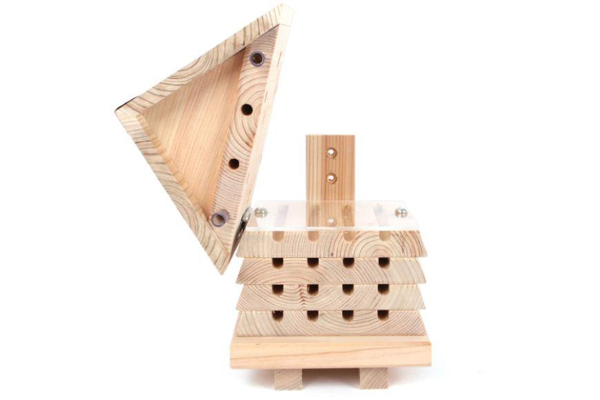 interactive mason beehive