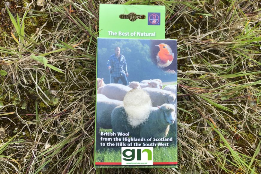 Bird Nesting Wool | gardenature.co.uk