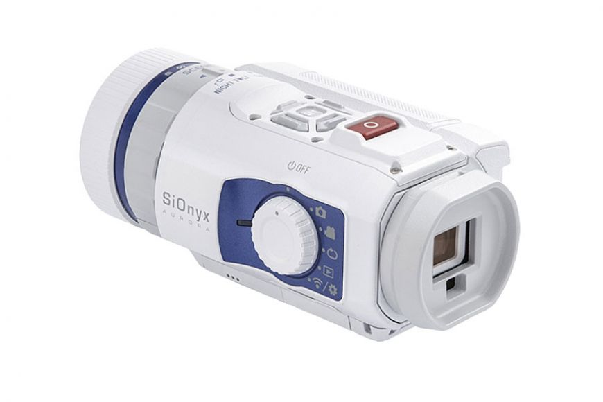 Low light colour video camera