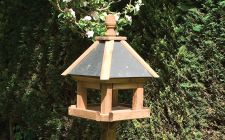Laverton bird table | gardenature.co.uk
