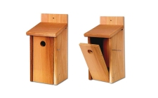 Cedar Nest Box | gardenature.co.uk