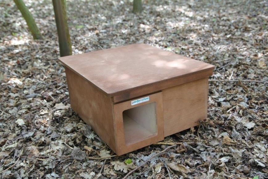 hedgehog home, gardenature.co.uk