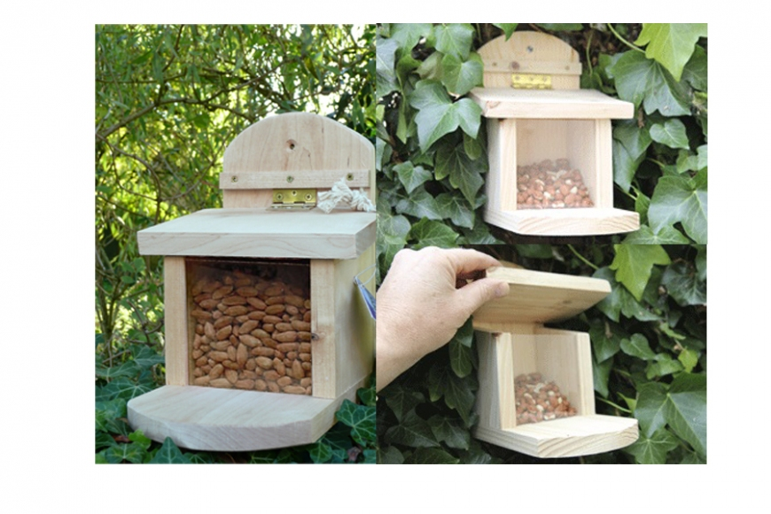squirrel feeder box - gardenature.co.uk