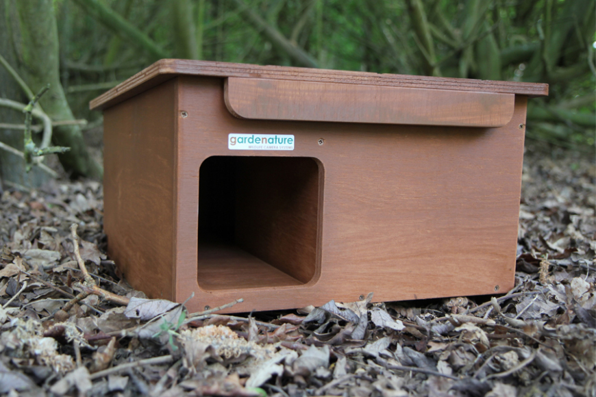 hedgehog house| gardenature.co.uk