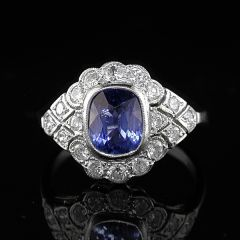 Vintage style sapphire ring