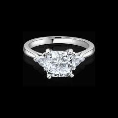 Pre-owned Cushion Brilliant Cut Diamond Ring