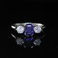 Vintage Sapphire Ring | Kayes Vintage Collection